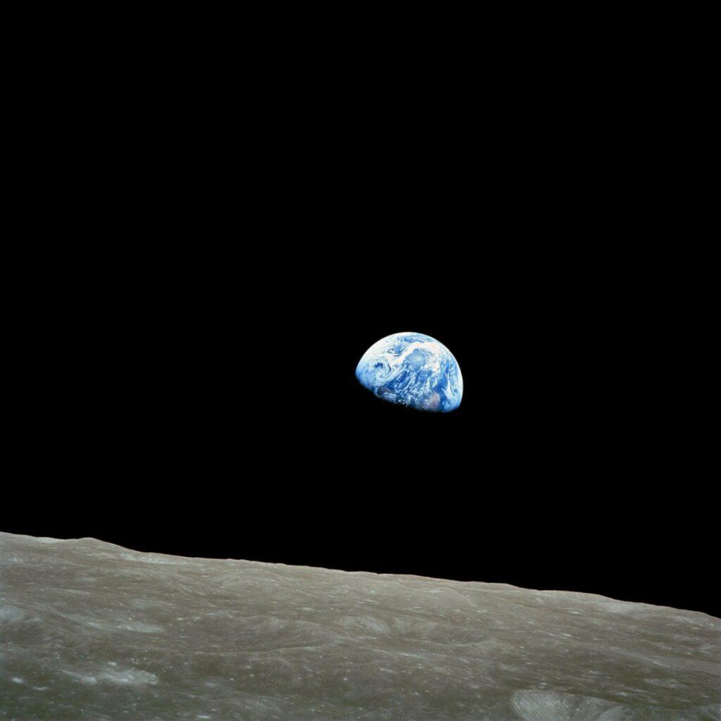 Earth Rise 1968 Photo