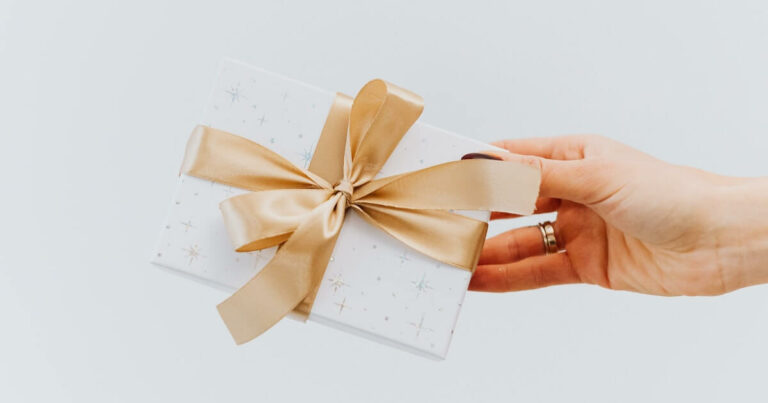 How to Choose the Best Wedding Gifts that Keep Giving